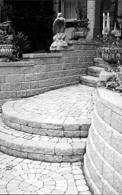 Interlocking pavers make a grand entrance - Landscape Ontario