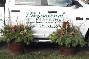 The Professional Gardener logo