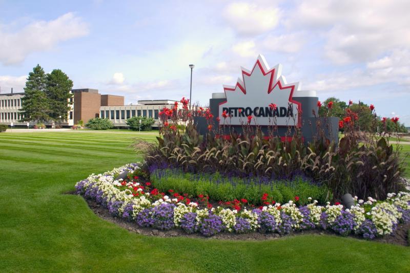 2006 - Corporate Building Maintenance -  Over 2 acres  - Petro Canada Corporate Headquarters01