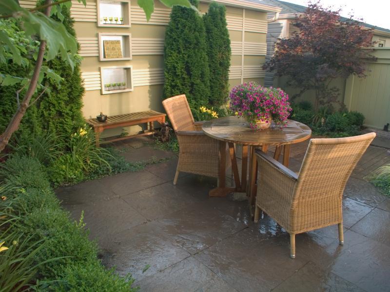2006 - Residential Construction - $10,000 - $25,000 - Back - Garden - Stone Terrace Detail