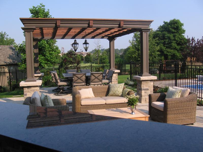 2007 - Residential Construction  - $100,000 - $250,000 - Bar and Dining Terrace