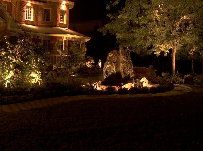 2007 - Landscape Lighting Design & Installation - Over $30,000 - Front Entrance