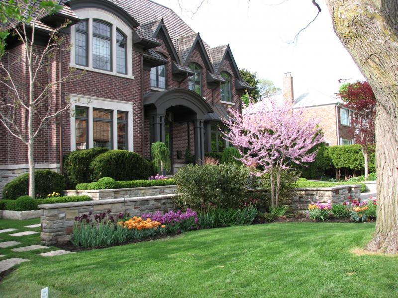 2007 - Private Residential Maintenance  - 15,000 sq ft - 1 acre - Spring Bulbs & Redbud Blossoms