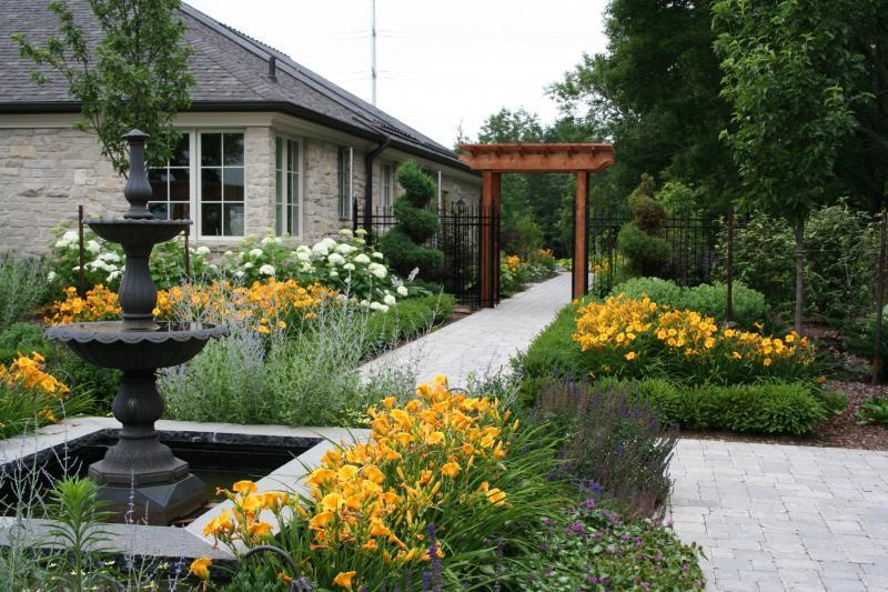 2008 - Residential Construction  - $100,000 - $250,000 - Water Feature/Walkway View