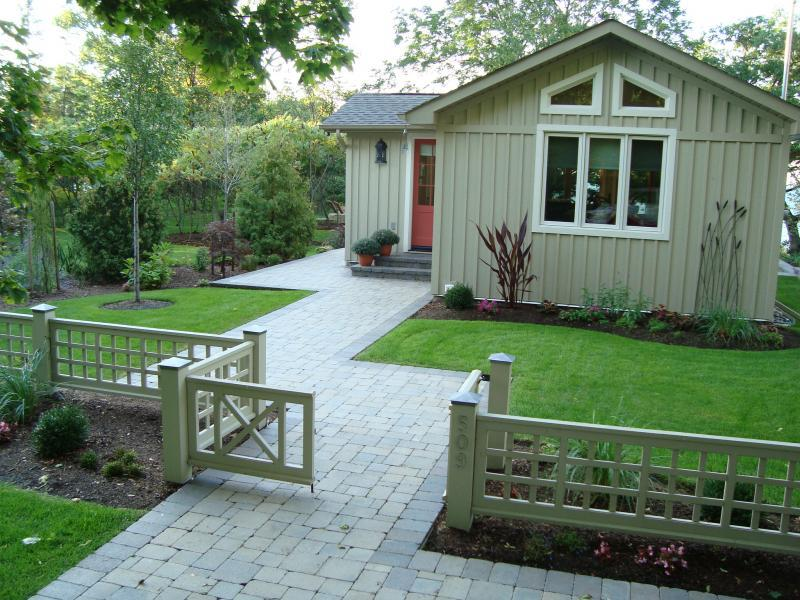 2008 - Residential Construction  - $100,000 - $250,000 - Front showing walkway