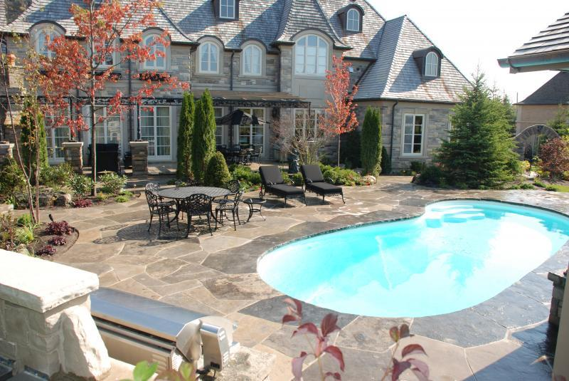 2009 - Residential Construction - Over $1,000,000 - Rear pool terrace area, BBQ in foreground