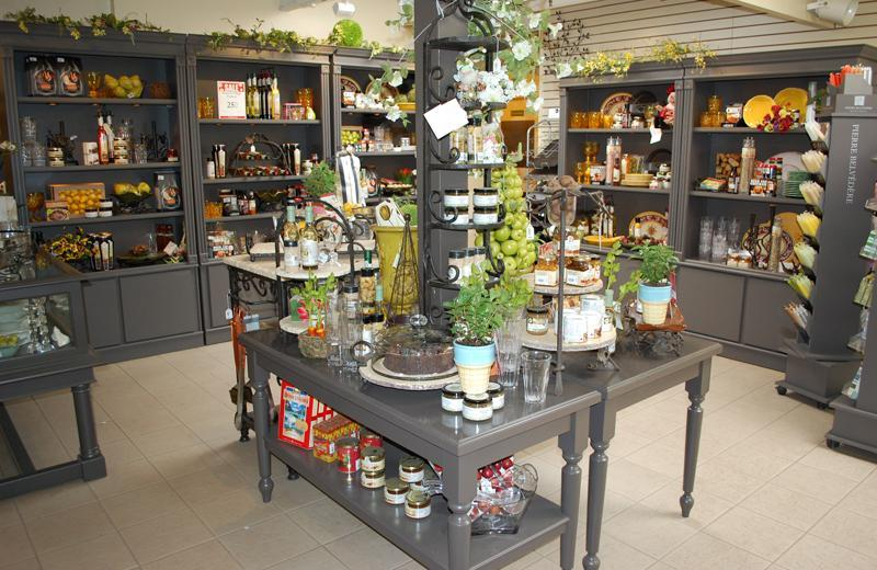 2011 - Outstanding Display of Goods - Giftware