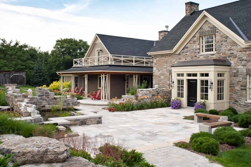 2011 - Residential Construction - $250,000 - $500,000 - Entry and Pond