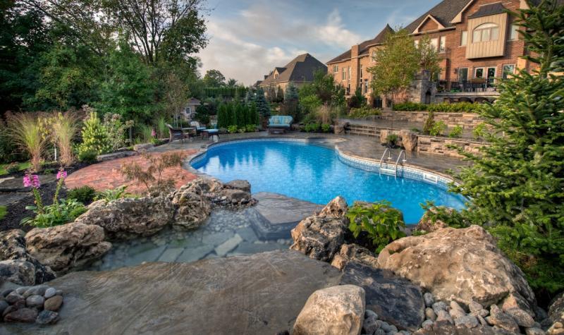2012 - Residential Construction - $250,000 - $500,000 - Full Backyard