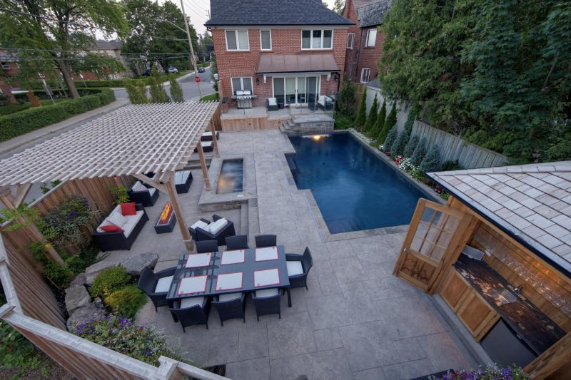 2012 - Residential Construction  - $100,000 - $250,000 - Finished Backyard