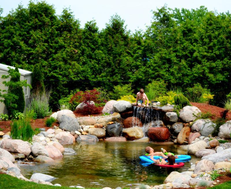 2013 - Water Features  - Swim time