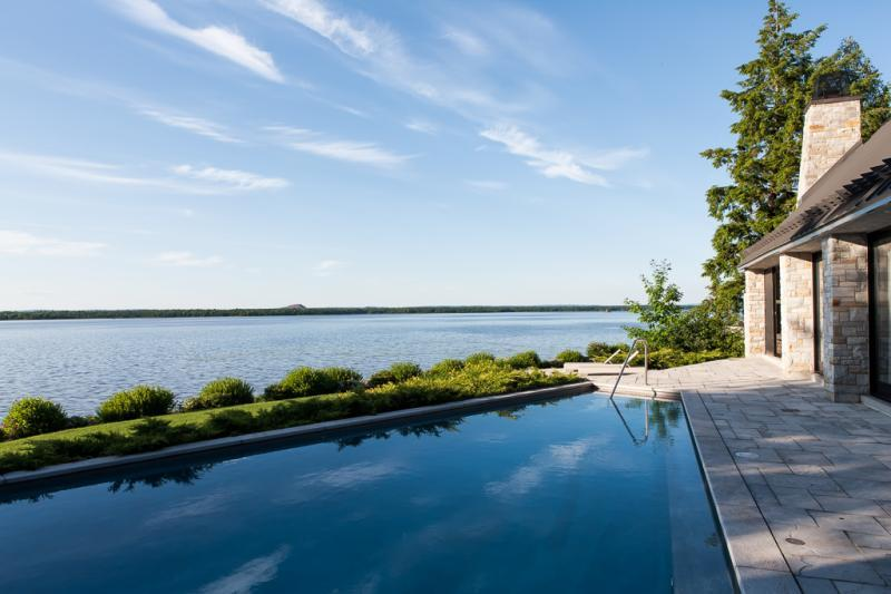2014 - Residential Construction  - $100,000 - $250,000 - Swimming pool