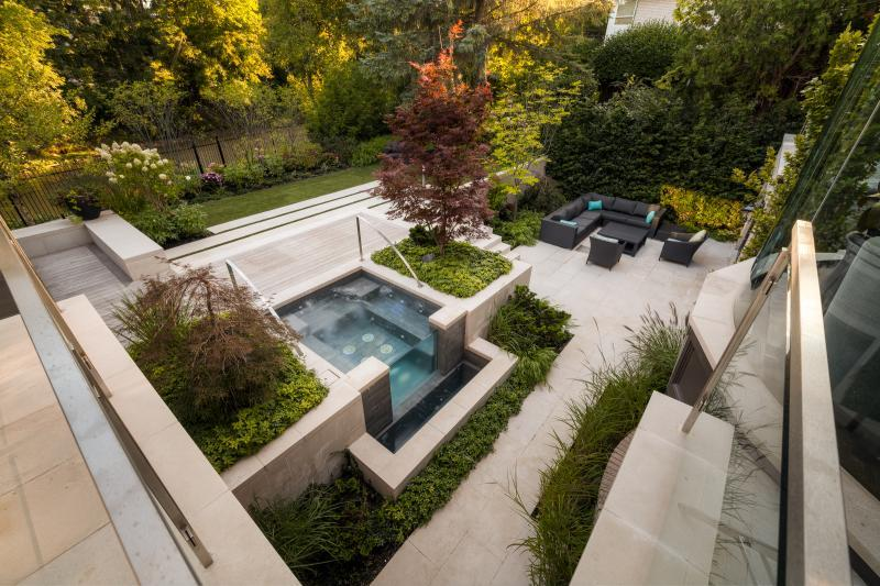 2014 - Residential Construction - $250,000 - $500,000 - Infinity Hot Tub View