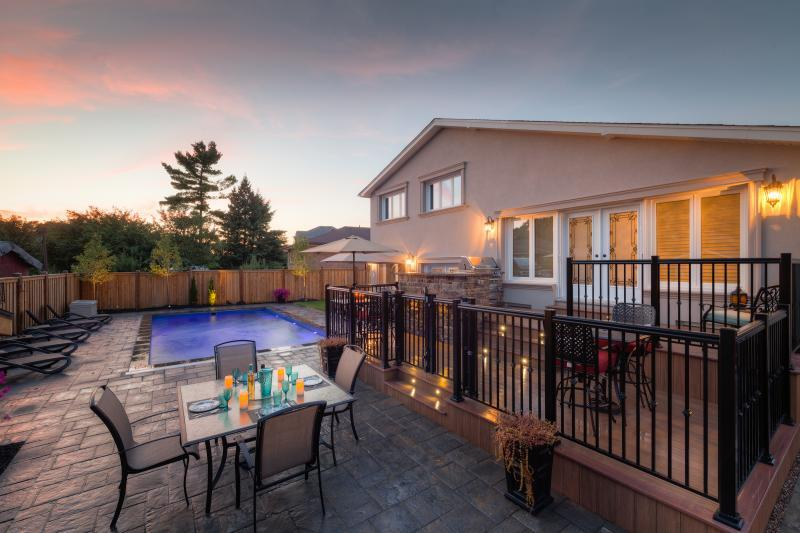 2015 - Residential Construction  - $100,000 - $250,000 - Early morning shot, showcasing overall backyard
