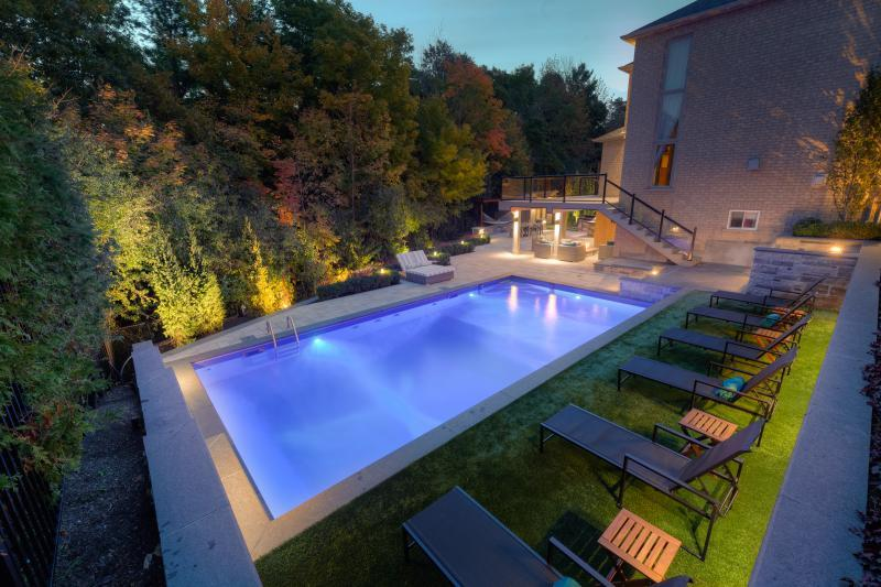 2015 - Residential Construction  - $100,000 - $250,000 - Pool - night time shot