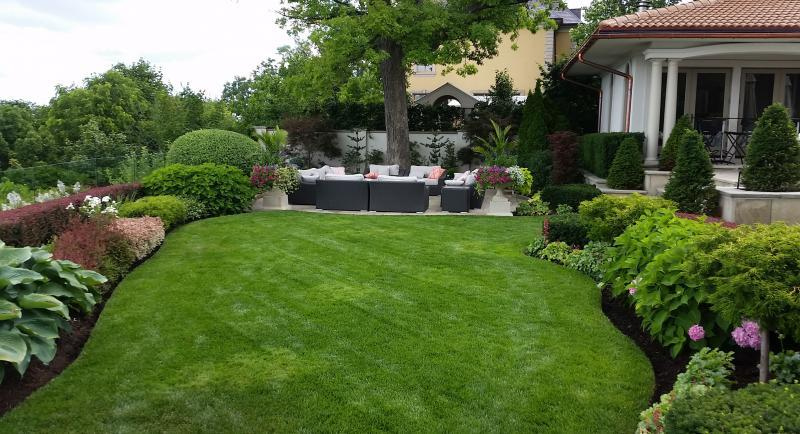 2016 - Private Residential Maintenance  - 15,000 sq ft - 1 acre - the lawn is fertilized 4-5 times a year and all weeds are hand pulled or dug out. They clients have two dogs and a service comes twice a week to clean up as well as the homeowners. irrigation is on every night