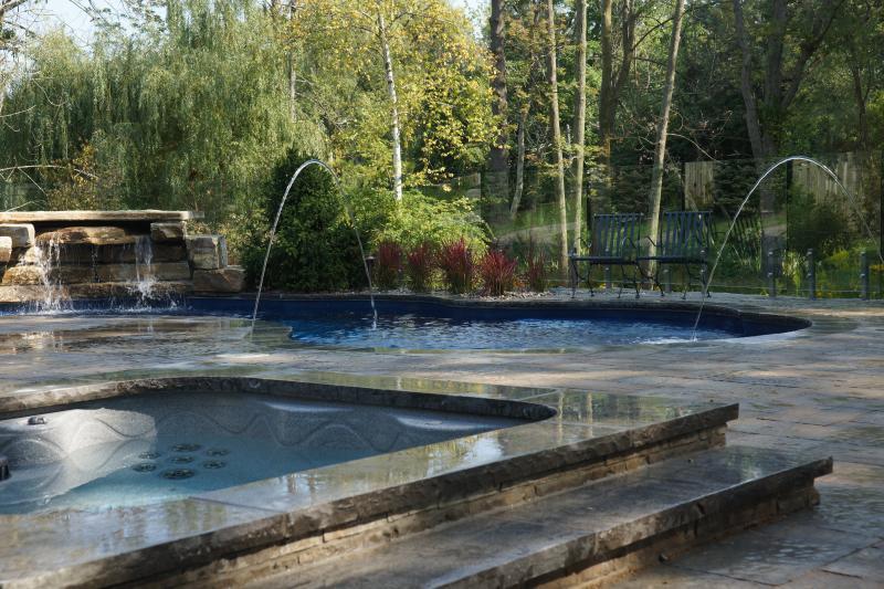 2017 - Residential Construction - $250,000 - $500,000 - Sunken hot tub