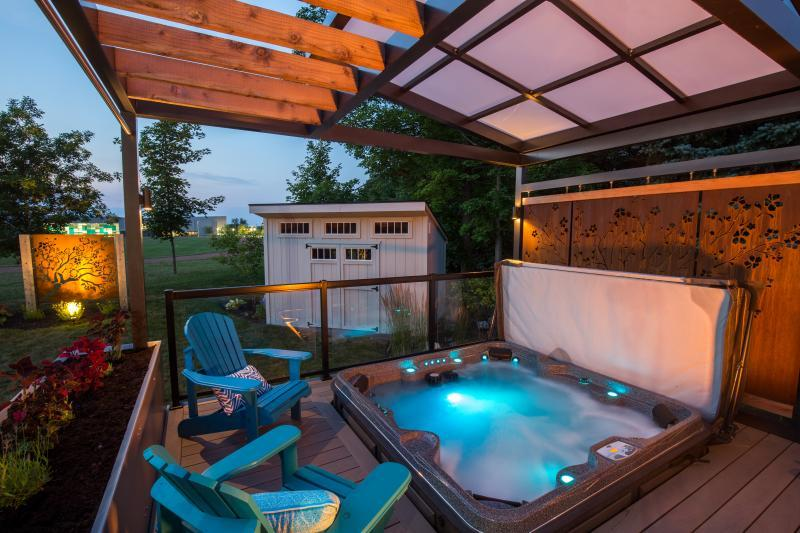 2017 - Residential Construction  - $100,000 - $250,000 - Hot Tub Integrated in Deck