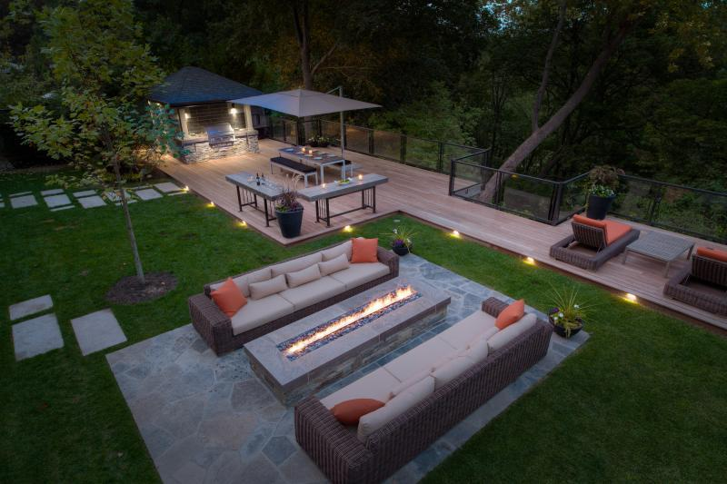 2018 - Residential Construction - $250,000 - $500,000 - Well-executed evening lighting makes this a yard you just don't want to leave.